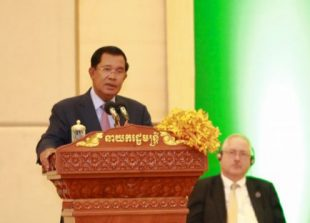2_prime_minister_hun_sen_speaks_at_a_session_yesterday_in_siem_reap_facebook