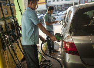 workers-help-petrol_0
